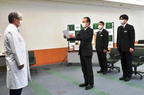 島根県立中央病院でのマスク贈呈式